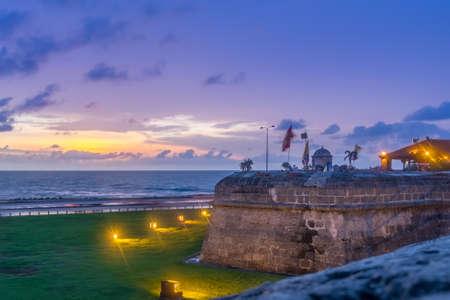 방어 벽 - 카르타 헤나 드 인도, 콜롬비아 이상의 일몰