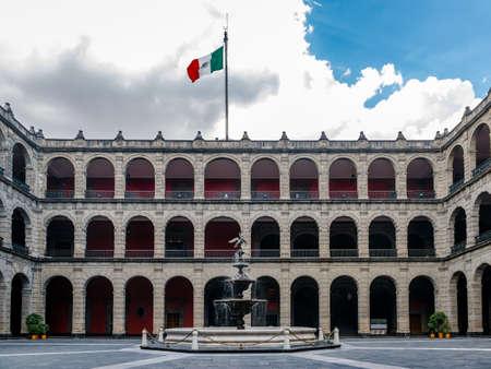 Palacio Nacional (National Palace) Fountain - Mexico City, Mexico 免版税图像