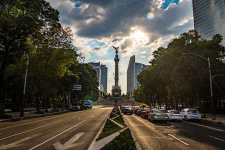 angel de la independencia: Reforma y Paseo de la Ángel de la Independencia Monumento - Ciudad de México, México Foto de archivo