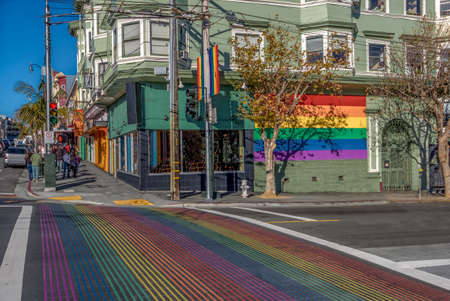 Castro District Rainbow Crosswalk Intersection - San Francisco, California, USA 免版税图像