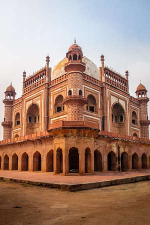 mughal empire: Safdarjungs Tomb - New Delhi, India Stock Photo