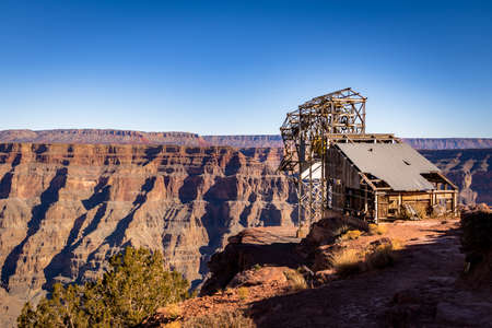 west river: Abandoned cable aerial tramway of mine at Guano Point - Grand Canyon West Rim, Arizona, USA