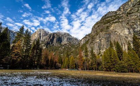sierra nevada: Yosemite Valley Rock Formations at winter - Yosemite National Park, California, USA