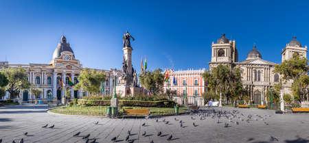 플라자 무리 요, 볼리비아 정부 궁전 및 메트로폴리탄 성당 - 라 파스, 볼리비아 전경 스톡 콘텐츠