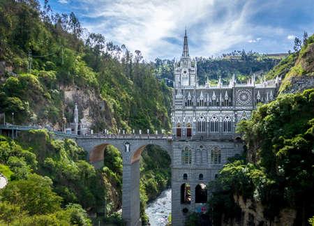 ラス Lajas 聖域 - Ipiales、コロンビア 写真素材 - 77311839