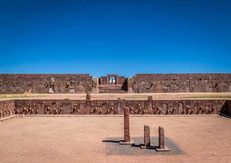 ティワナク (ティアワナコ) コロンブス遺跡 - La Paz, ボリビア跡 写真素材