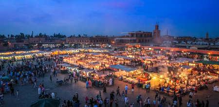 저녁 Jemaa 엘 - Fnaa 광장 - Marakech, 모로코