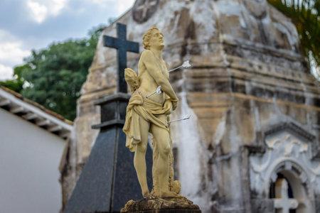 SAO JOAO DEL REI, BRAZILIË - 16 okt. 2015: Beeldhouwkunst in de kerk van Sao Francisco de Assis - Sao Joao Del Rei, Minas Gerais, Brazilië Redactioneel
