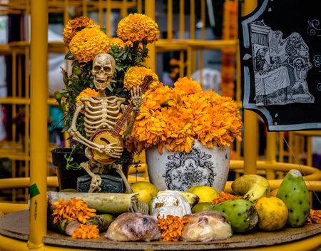 死んだ装飾 - メキシコシティ、メキシコの日