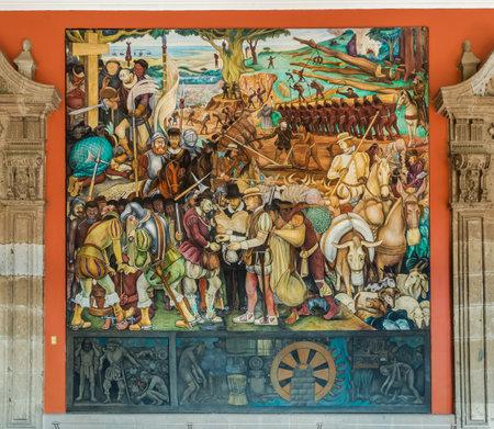 유명한 벽화와 함께 고궁의 복도 디에고 리베라 - 멕시코 시티, 멕시코에 의한 코르테스의 도착