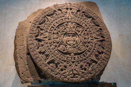 국립 인류학 박물관 (국립 인류학 박물관, MNA)의 아즈텍 선스톤 - 멕시코 멕시코 시티 에디토리얼