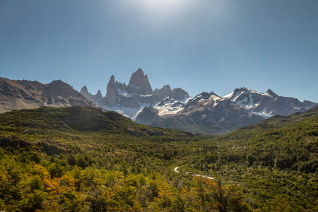 cerro fitzroy: Mount Fitz Roy in Patagonia - El Chalten, Argentina