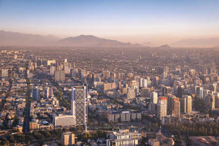 Aerial view of downtown Santiago at sunset - Santiago, Chile 版權商用圖片