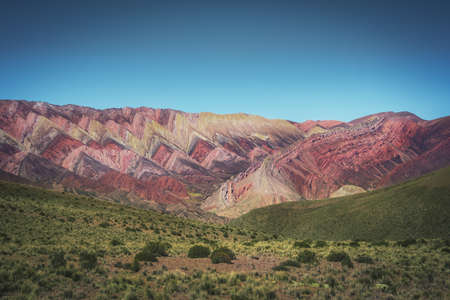Serrania de Hornocal, the fourteen colors hill at Quebrada de Humahuaca - Humahuaca, Jujuy, Argentina 免版税图像