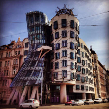 frank gehry: Frank Gehry - dancing House in prague