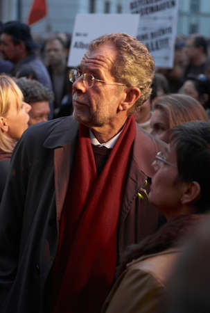 VIENNA, AUSTRIA - OCTOBER 9 2007: Alexander van der Bellen at a protest for the rights of refugees. Mr. Van Der Bellen has since been elected president of the Federal Republic of Austria. Sajtókép