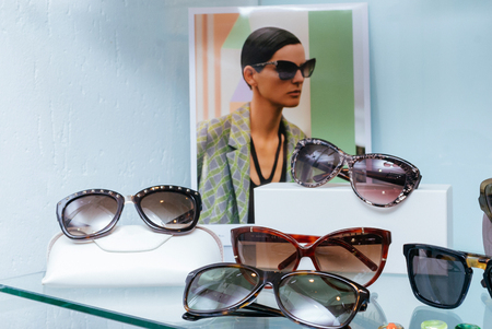 Modern fashion sunglasses for sale