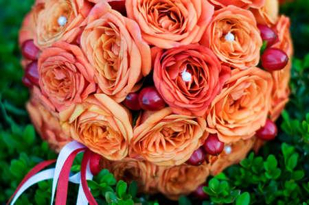 rosas naranjas: rosas naranjas ramo nupcial ronda Foto de archivo