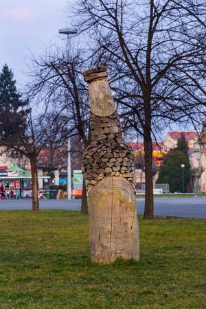 Praha, Česká republika březen 15, 2015 láhev na pražském Výstavišti Holeovice Socha Reklamní fotografie