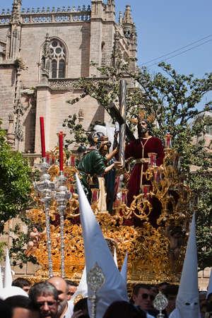 sacramentale: Fraternit� sacramentale di Seor San Sebastin e Penitenti Confraternita del Padre Nostro Ges� de la Victoria, durante la Settimana Santa, Siviglia, Andalusia, Spagna