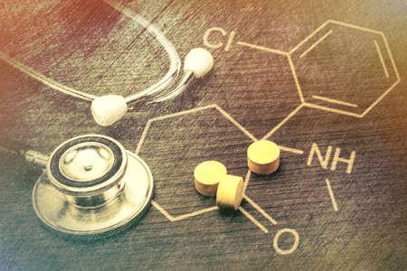 endoscope: Phonendoscope and pill, Chemical formula