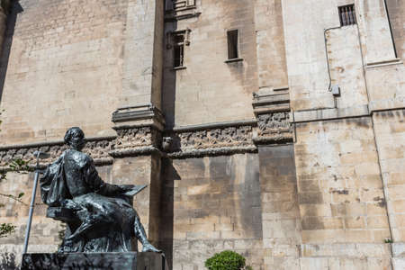 plateresque: Jaen - Spain, may 2016, 2: Statue sculpted in bronze of the architect Andres de Vandelvira, architect and Spanish Renaissance stonemason. Placed in the rear part of the cathedral of Jaen, take in jaen, Spain