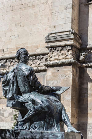 stonemason: Jaen - Spain, may 2016, 2: Statue sculpted in bronze of the architect Andres de Vandelvira, architect and Spanish Renaissance stonemason. Placed in the rear part of the cathedral of Jaen, take in jaen, Spain