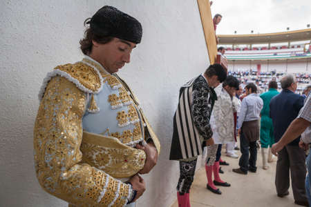 bullfighter: Jaen, SPAIN - October 17, 2008: Spainish bullfighter Curro Diaz totally focused moments before leaving to fight in Bullring of Jaen, Spain