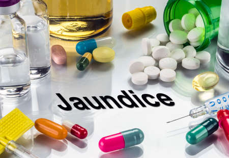 sleeping pills: Jaundice, medicines as concept of ordinary treatment, conceptual image