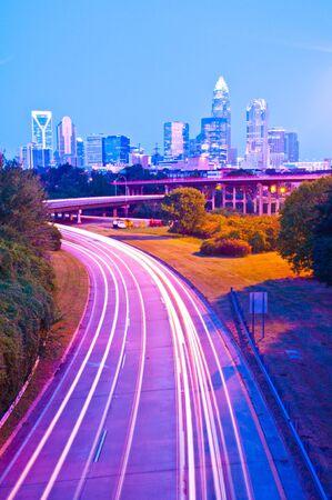 Metropolitana horizonte de la ciudad y del distrito bancario Foto de archivo - 15398992