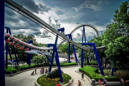 thrilling: rollercoaster amusement park ride