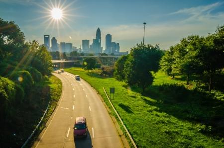 太陽の南のノースカロライナ州シャーロットで主要な都市を設定 写真素材