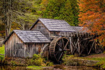 grist mill: Virginias Mabry Mill on the Blue Ridge Parkway in the Autumn season