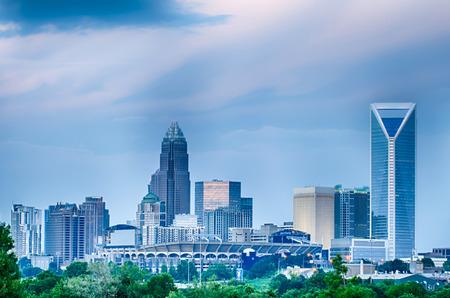 Blick auf die K�nigin-Charlotte Stadt Bankenviertel