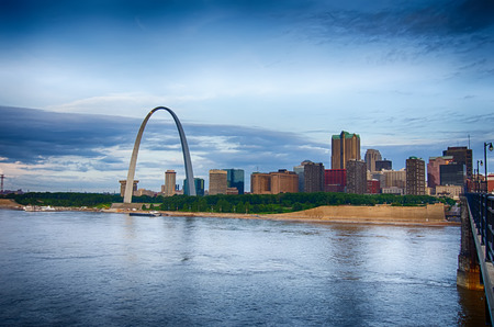gateway arch: early morning Cityscape of St. Louis skyline in Missouri state