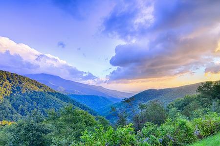 blue ridge: Sunrise over Blue Ridge Mountains Scenic Overlook