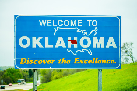 welcome to oklahoma highway state sign 版權商用圖片 - 38903127