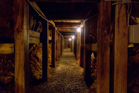 undergroung mine passage in the mountains 版權商用圖片