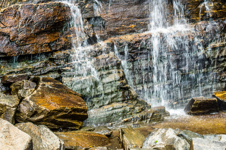 hickory nut waterfalls during daylight summer