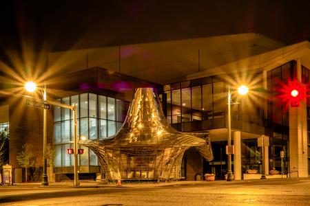 tennesse: calles de la ciudad Memphis Tennessee en la noche