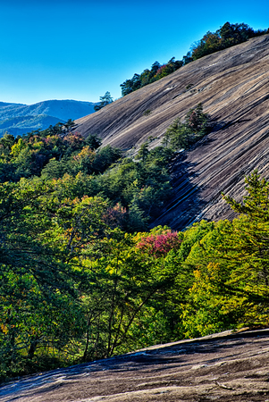 stone mountain north carolina scenery during autumn season 版權商用圖片