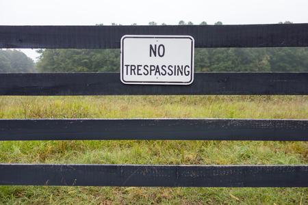 prohibido el paso: Ninguna muestra de violaci�n contra el tel�n de fondo de las tierras agr�colas