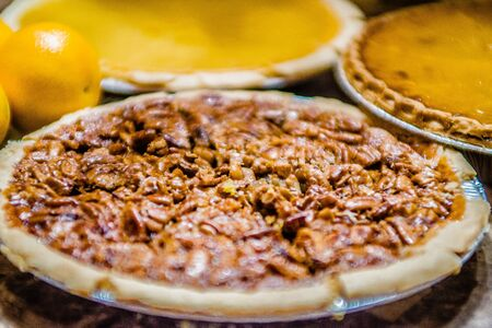 pecan pie: sabroso pastel de pacanas caseras con nueces