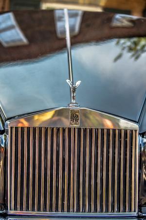 sc: YORK SC - Sept 2015: The emblem of Rolls-Royce at Summerfest 2015 classic car show  in York City South Carolina