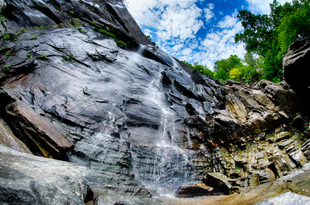 Hickory Nut Falls in Chimney Rock State Park North Carolina United States 版權商用圖片