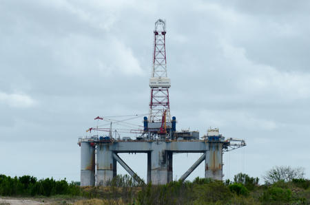 giant oil rigs structures in texas