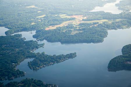 Sorvolando Lago Norman North Carolina in mattina Archivio Fotografico
