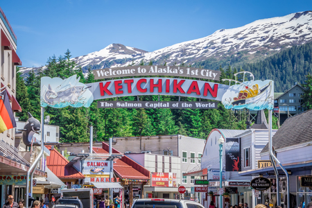 scenery around alaskan town of ketchikan 免版税图像