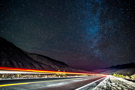 Night time and dark sky over death valley national park Imagens