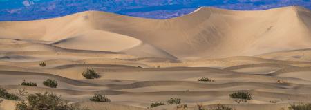 death valley national park sand dunes at sunset Banque d'images - 119592062